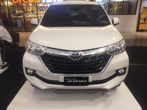 Toyota avanza 1,3 G m/t