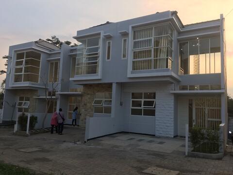 perumahan Greenstone 2 lantai fasilitas lengkap harga murah