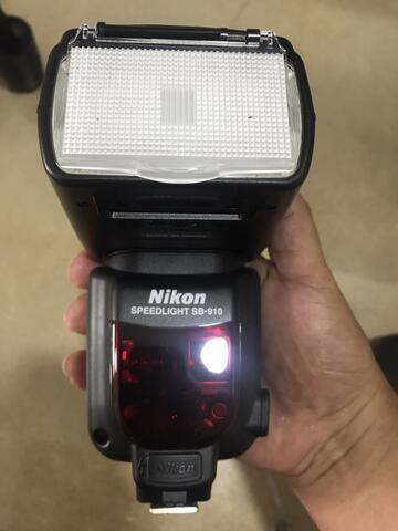 speedlight Nikon SB-910