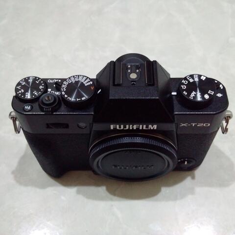[CAKIM] WTS Fuji Fujifilm X-T20 body only garansi agustus 2018