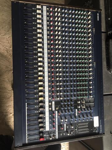 mixer yamaha mg24/14 fx