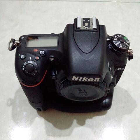 [CAKIM] WTS Nikon D750 body only mulus SC 7ribuan bonus BG meike