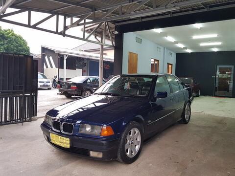 BMW e36 323i thn 1996 manual
