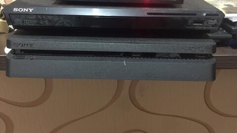 jual PS4 jet black, mulus, bagus, bergaransi panjang