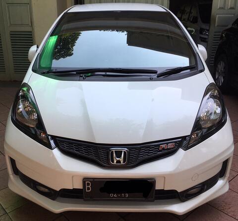 Honda Jazz RS matic 2014, putih siap pakai