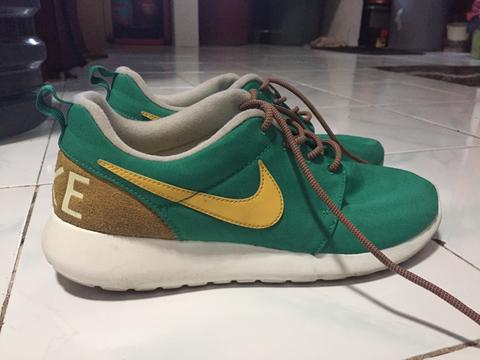 Nike Roshe Run Retro Green ( uniqlo, stussy, supreme, hnm )