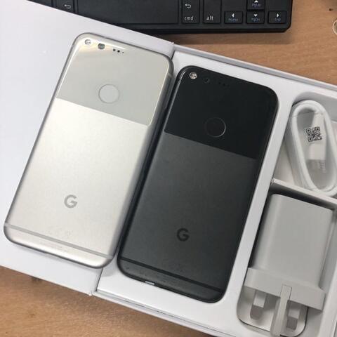 Google Pixel 1st Gen 4/32GB Silver quite Black Super Mulus fullset