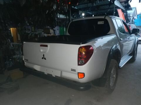 Mitsubishi Strada Triton Diesel Double Cabin 4x4 Th 2012 Second Nego