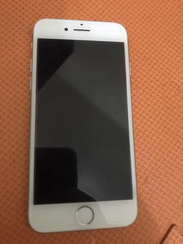 iPhone 8 64gb silver mulus fullset garansi inter Maret 2019