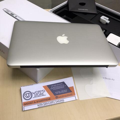 Macbook Pro 2015 Retina Display 13inch Muluss 99% Fullset Mantap bandung