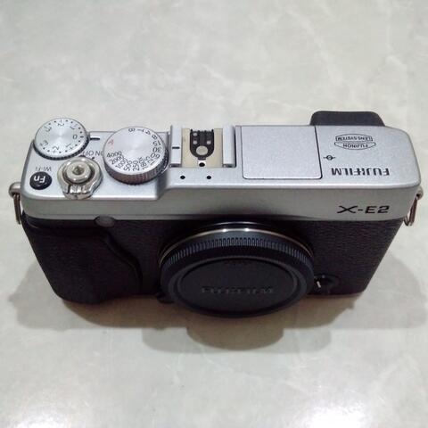 [CAKIM] WTS Fuji Fujifilm X-E2 Silver body only