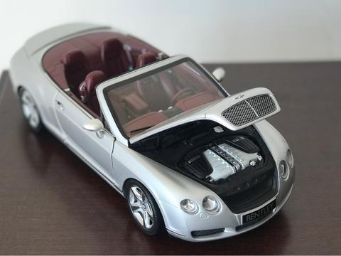 minichamps 1:18 Bentley Continental GTC 2006