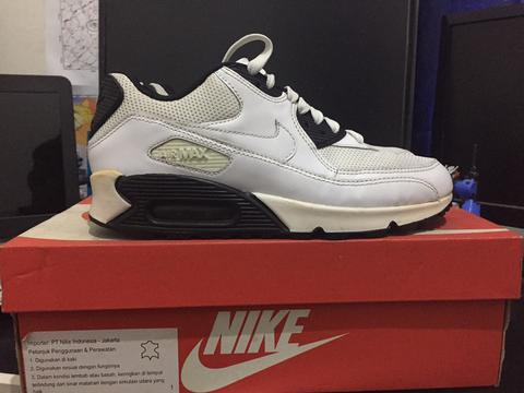 new arrivals 19bf3 d82dc ... low price nike air max 90 essential size 39 original b2913 72a66