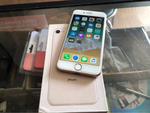Terjual iPhone 8 64gb FU Rose Gold mulus murah white Bandung Bdg ... 3b20b0c028