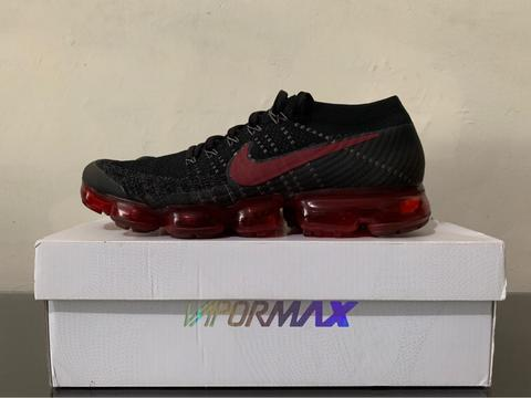 official photos a1203 f1a9a JUAL Nike Vapormax Flyknit Bred Europe Release Only Original