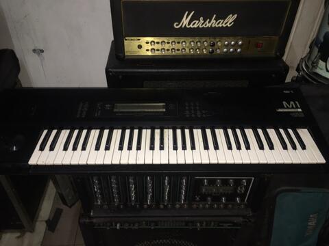 keyboard korg m1 dan ensoniq sq1