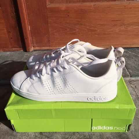 Sepatu Adidas Neo Advantage Full White