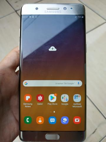 SAMSUNG GALAXY NOTE FE(FAN EDITION) 4GB/64GB HP+CHARGER EX GRS RESMI SEIN NORMAL