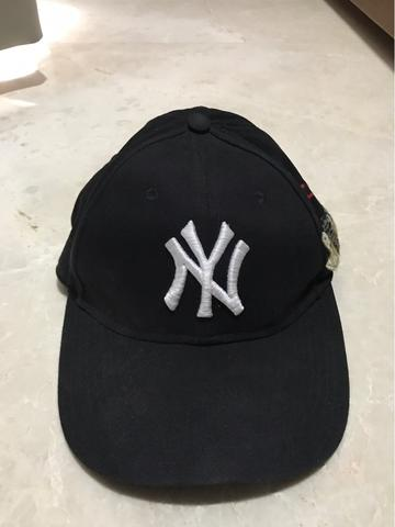 [2nd] [WTS Gucci Cap with NY Yankees ™️ patch Authentic 1000%