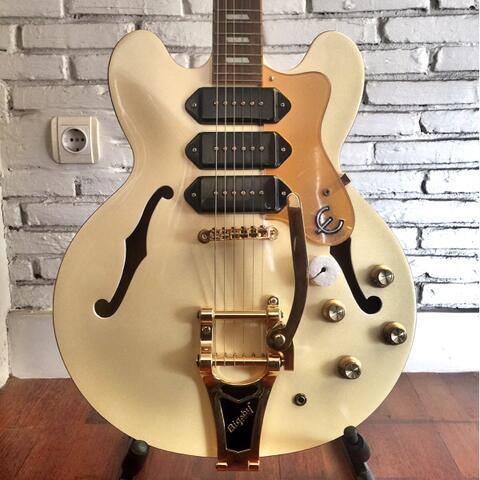 Epiphone Riviera Custom P93 Royale Semi-Hollowbody Electric Guitar