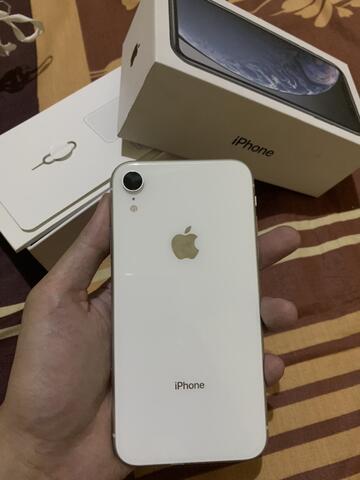iphone xr 64gb white fullset malang