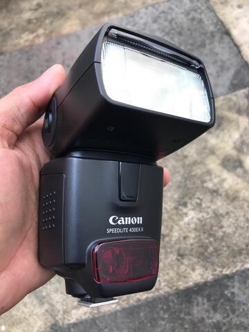 Canon flash speedlite 430 EX II + canon lensa 75-300 ultrasonic