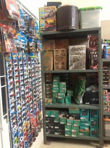 Jual Mainan semua aset, mau tutup toko