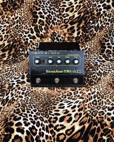 Tech 21 Sansamp Tri AC Preamp Pedal