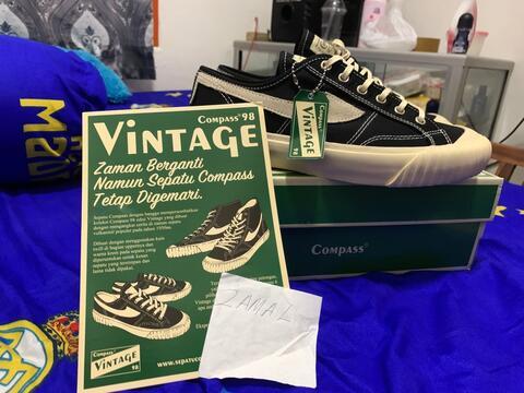 sepatu compass black low vintage 98