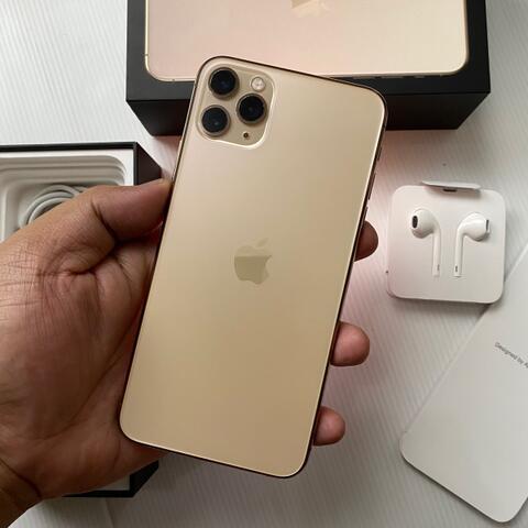 Terjual iPhone 11 Pro Max 256GB Gold Dual Nano Super Mulus ...