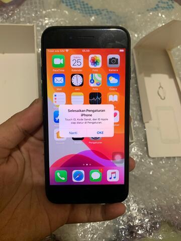 iphone 7 32gb hitam. minus fingerprint jual murah. (TANGERANG)