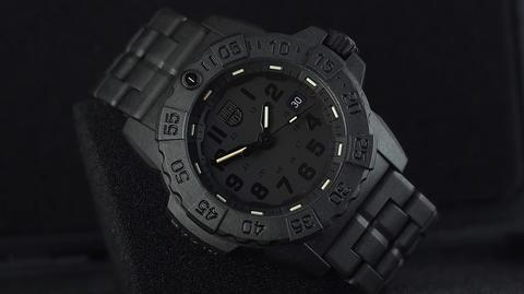 LUMINOX NAVY SEAL BLACK OUT QUARTZ CARBON COMPOUND 45MM