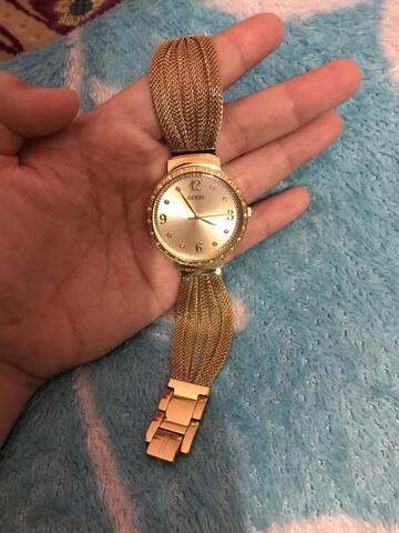 dijual jam tangan cewek guess dijamin original