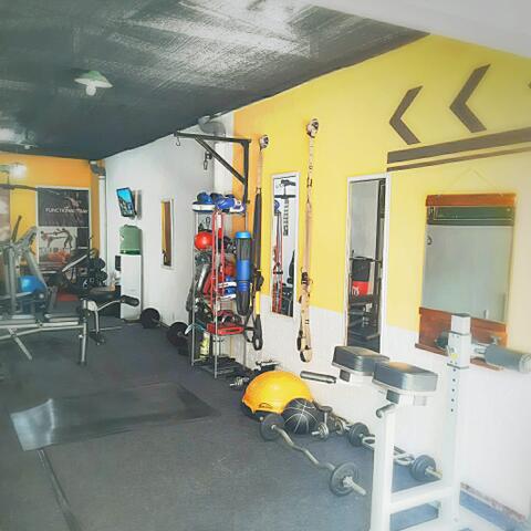 privat trainer fitness di surabaya