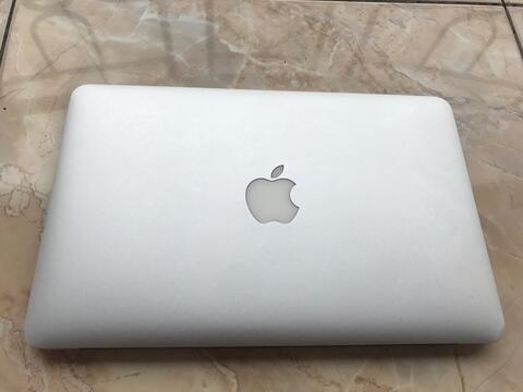 "Macbook Air 11"" MID 2012 Fullset"