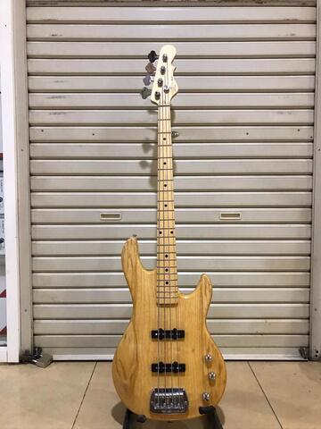 Bass G&L JB2 natural