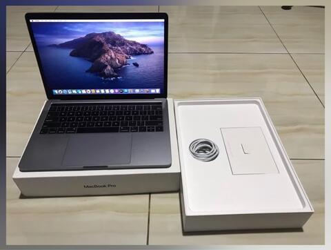 Macbook Pro Touchbar 2018 8/256 FULLSET