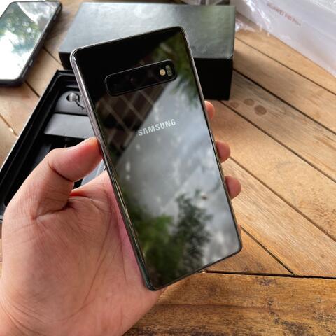 Samsung S10 Plus Ultimate 12/1TB Ceramic Black ex Garansi resmi SEIN