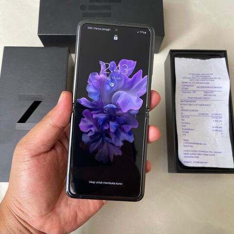Samsung Galaxy Z Flip Black 256GB Garansi resmi SEIN mei 2022 fullset