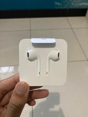 Apple earpods with lightning connector original ibox baru 100%