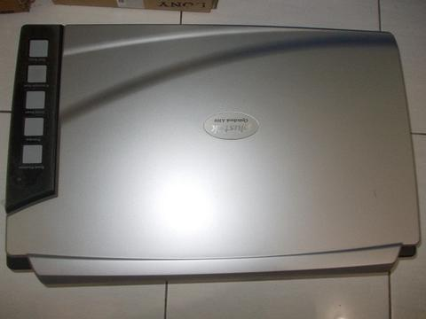 Scanner Plustek OptikBook A300