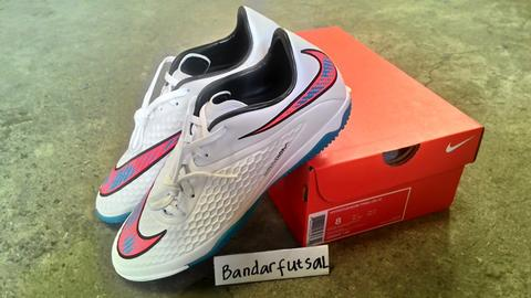 Sepatu Futsal NIKE Hypervenom Phelon IC Shine Through White Blue Lagoon  100% Original 38871a85fa