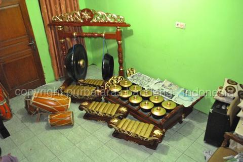 gamelan salendro besi