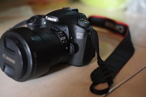 canon 60D + 18-135mm