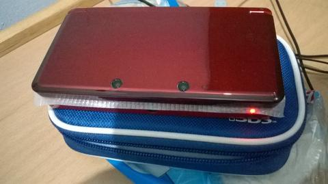 WTS Nintendo 3DS Flame Red 99% like new, include pouch HORI + antigores HORI