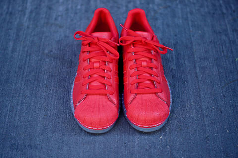 Adidas superstar VIVID RED barang ORIGINAL jarang pake Uk 40,5