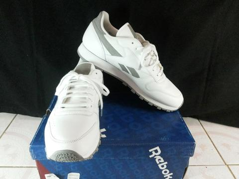 FOR SELL!! Reebok Classic Leather