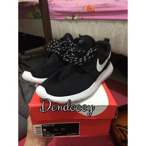 Nike Rosherun Black And White Size 8 (bnib)