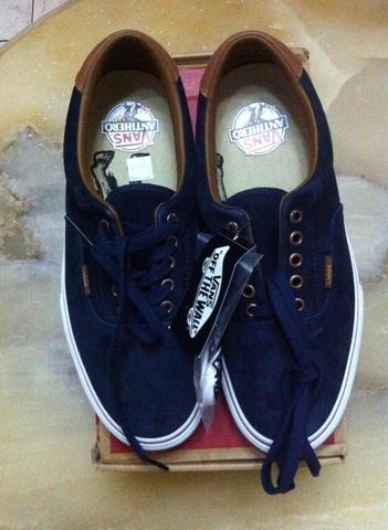 WTS Vans Era Anti Hero BNIB