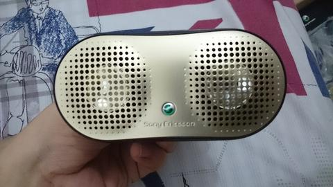 All about Sony Ericsson - Dus New- Hf HPM64 - Speaker Portable MPS75 - Desktop MIS06